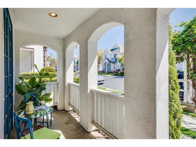 53 Essex Lane, Irvine CA: http://media.crmls.org/medias/975fd841-76e1-4207-9e95-38fceba473ff.jpg