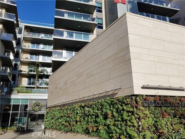 1755 Ocean Avenue, Santa Monica CA: http://media.crmls.org/medias/976ac5f5-cebe-4bce-9e0f-8852f7313f1d.jpg