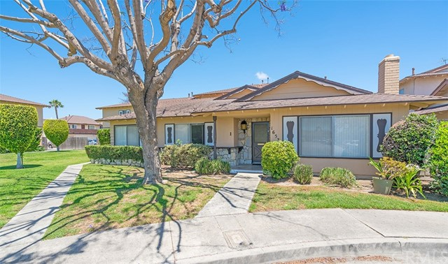 16531 Kellog Circle Huntington Beach, CA 92647 is listed for sale as MLS Listing OC17143563