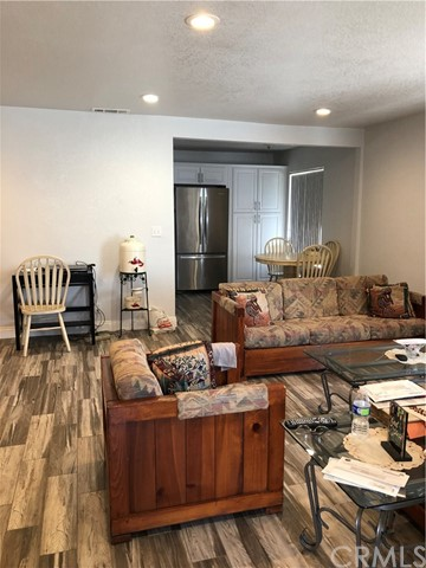 135 Pine Avenue,Rialto,CA 92376, USA