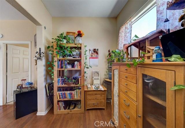 33385 Oak Glen Road, Yucaipa CA: http://media.crmls.org/medias/97aadba6-e324-4f7c-8cab-7fab3e306735.jpg