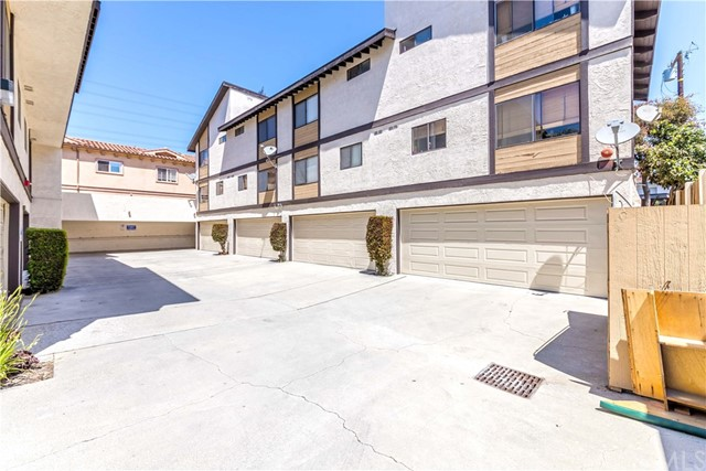 2519 Carnegie Lane Unit E Redondo Beach, CA 90278 - MLS #: SB18123491