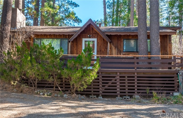 Single Family Home for Sale at 53335 Meadow Drive 53335 Meadow Drive Idyllwild, California 92549 United States