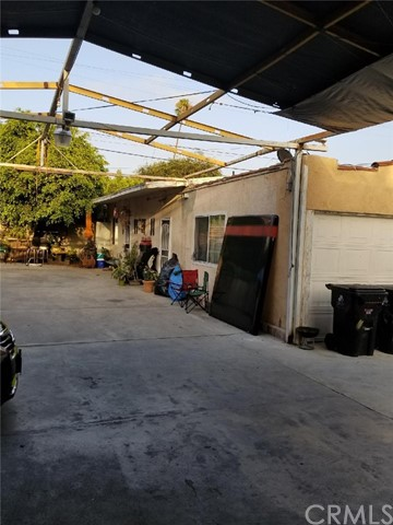 2918 9th Avenue, Los Angeles CA: http://media.crmls.org/medias/97b4a358-5b2e-4cd8-98db-eeaad8675f94.jpg