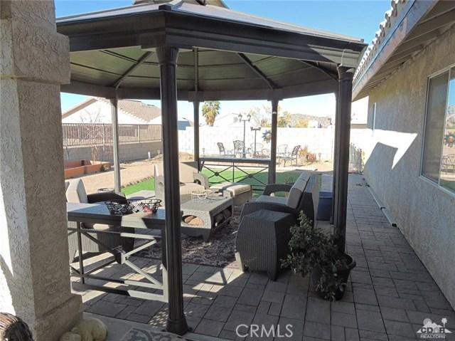 57130 Selecta Avenue, Yucca Valley CA: http://media.crmls.org/medias/97bdbc0c-5a01-4e34-a948-41c123f3d847.jpg