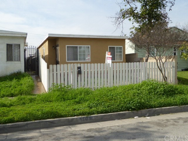 Single Family Home for Sale at 1507 Concourse Avenue S Commerce, California 90022 United States