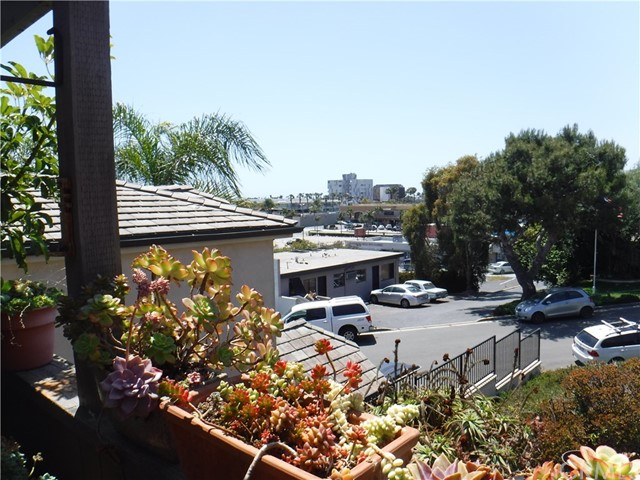 211 Tustin Avenue Newport Beach, CA 92663 - MLS #: OC18196808