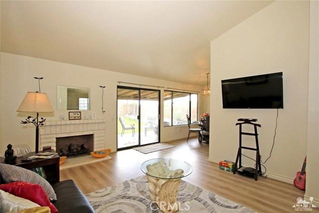 43750 Texas Avenue, Palm Desert CA: http://media.crmls.org/medias/97d61b57-b40b-499d-bd0b-301161311736.jpg