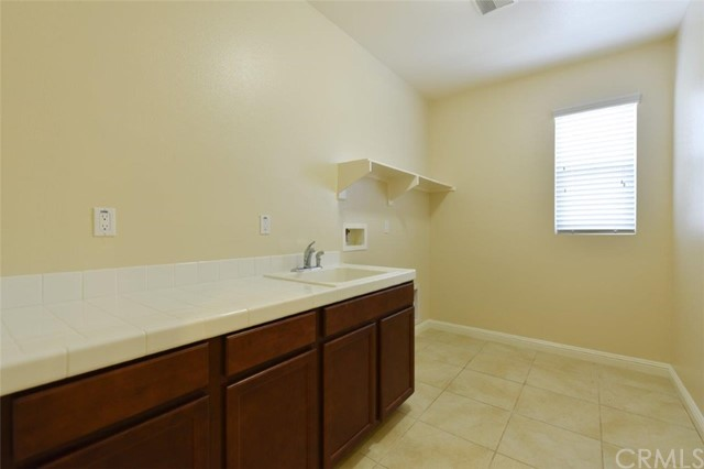 4981 Woodley Ridge Drive, Rancho Cucamonga CA: http://media.crmls.org/medias/97d9e0ea-1bb4-4969-8516-91529acc0993.jpg