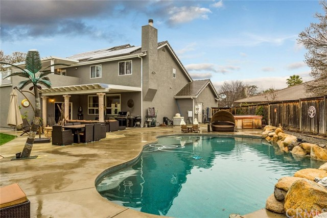 523 Laurelwood Drive, Paso Robles, CA 93446