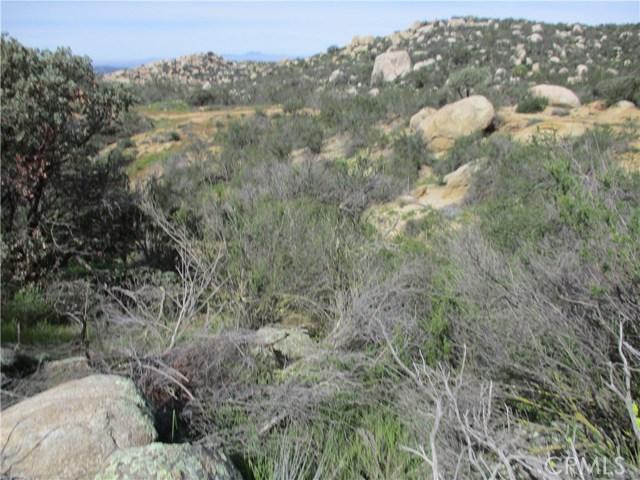991 Crazy Horse Canyon Road, Aguanga CA: http://media.crmls.org/medias/97e2564f-6ba4-4703-aac2-9ab226357b00.jpg