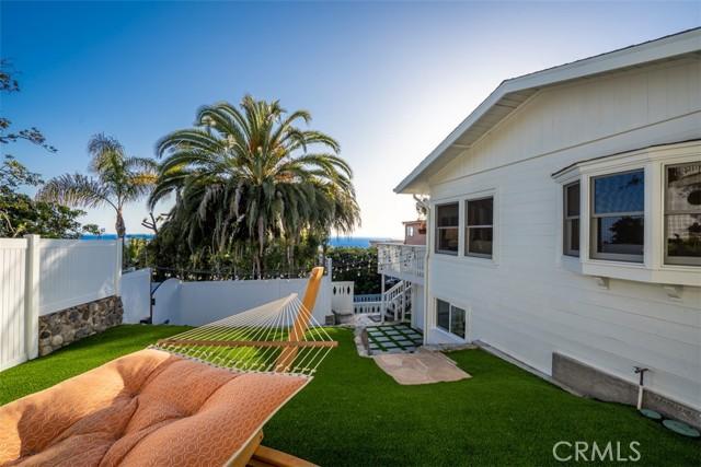 274 Upland Road, Laguna Beach CA: http://media.crmls.org/medias/97eb7eaf-90dc-48da-a1db-2f59ec4794f4.jpg