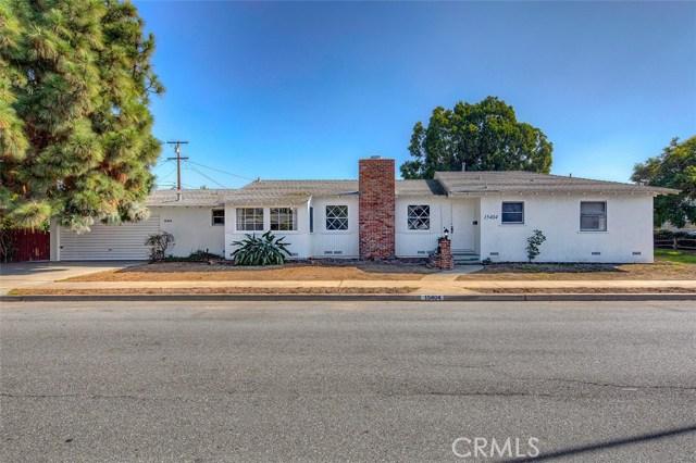 15404 S Saint Andrews Place, Gardena CA: http://media.crmls.org/medias/97f2fd0e-b6ff-4c9b-8b7d-92afc4e2e6d7.jpg