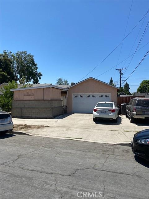 681 E 70th Street, Long Beach CA: http://media.crmls.org/medias/97ff4f40-7e77-4c7f-875e-e125b2de9237.jpg