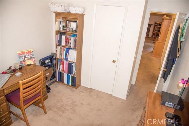 9400 Columbine, Montclair CA: http://media.crmls.org/medias/980127d5-03cd-4b59-a9cb-8e1d4f2cb875.jpg