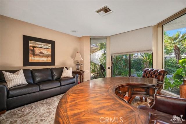 4 Exeter Court, Rancho Mirage CA: http://media.crmls.org/medias/9818a9d6-f845-4e13-8565-4deb50495d02.jpg