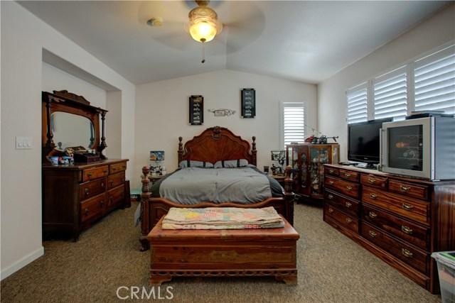 3724 Fallview Avenue, Ceres CA: http://media.crmls.org/medias/98226931-68d9-4993-8326-2a2562a3ec80.jpg