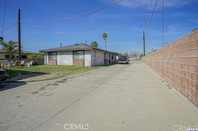 129 S Vernon Avenue, Azusa CA: http://media.crmls.org/medias/9823c89d-4769-4d35-80eb-4ea2ce63559b.jpg