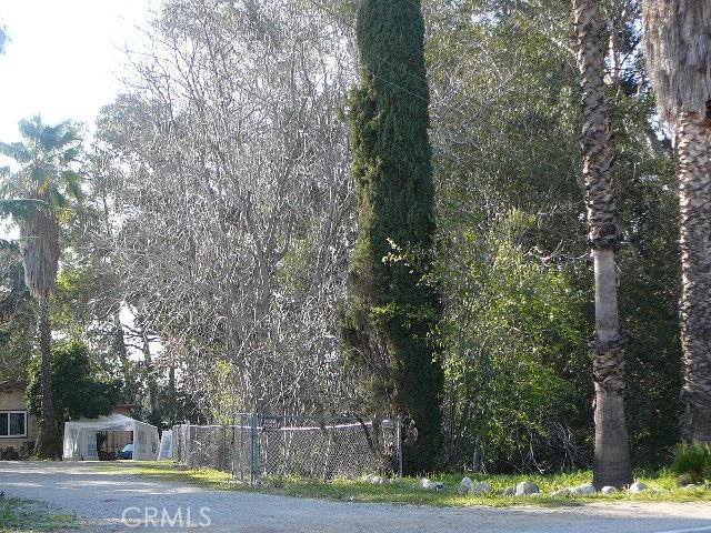 13000 Holmes Street, Yucaipa CA: http://media.crmls.org/medias/983367fe-9f6b-4825-bf62-bb4b6dd7fd21.jpg