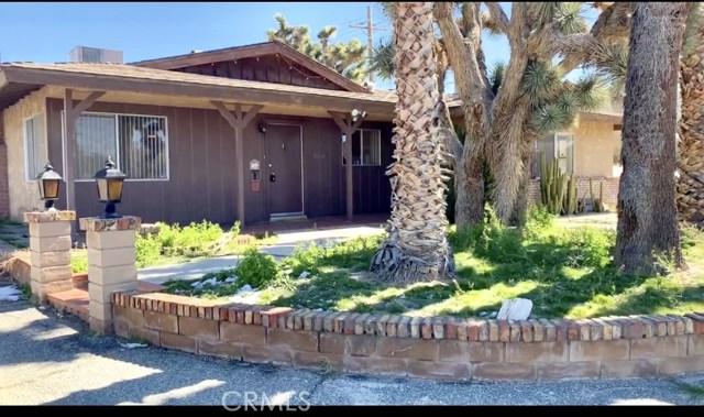 57588 Onaga Trail, Yucca Valley CA: http://media.crmls.org/medias/9834565c-fa1f-4514-9e44-61157913cb14.jpg