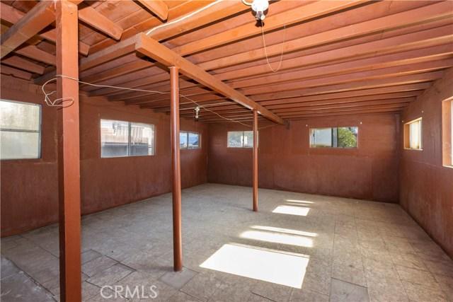 1486 Salina Street, Upland CA: http://media.crmls.org/medias/98457b88-2639-4558-8f61-aa1dcb5724fc.jpg