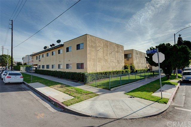 Residential Income for Sale at 1684 Murchison Street 1684 Murchison Street Los Angeles, California 90033 United States