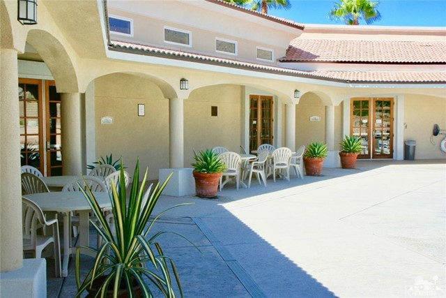65119 South Cliff Circle, Desert Hot Springs CA: http://media.crmls.org/medias/98485d48-bcb5-4a48-94a7-6adeee95d87e.jpg