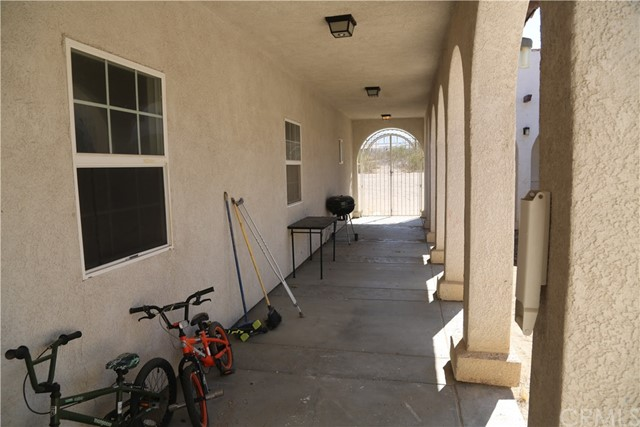 14794 Columbine Street, Victorville CA: http://media.crmls.org/medias/985f7af8-9ac8-4e63-852f-1453539d20d8.jpg