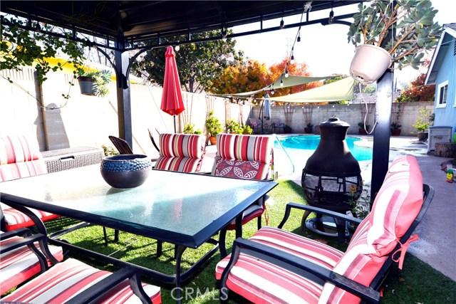6767 Nixon Street, Lakewood CA: http://media.crmls.org/medias/98674226-a0e7-4267-95fa-673336389935.jpg