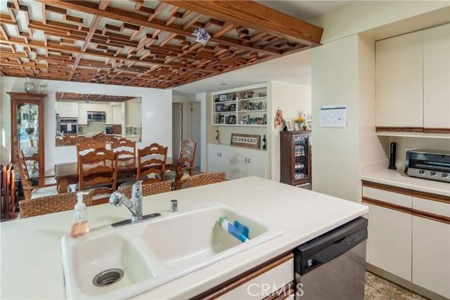 1190 Duncan Drive, Manhattan Beach CA: http://media.crmls.org/medias/9877732a-8b24-43d6-bf90-cb51230dbbd4.jpg