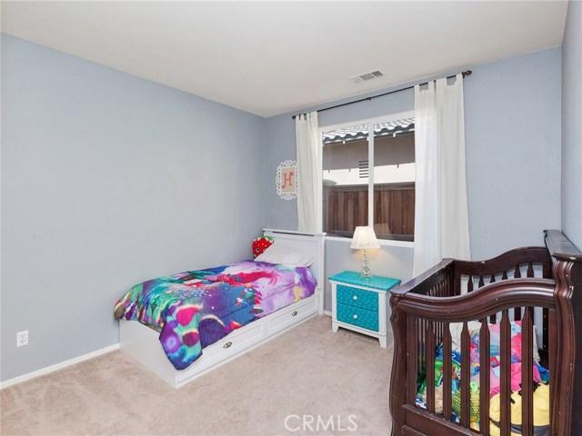 32263 Rosemary Street, Winchester CA: http://media.crmls.org/medias/987a35c7-ef5f-41bd-a70b-fbf3f3d04342.jpg