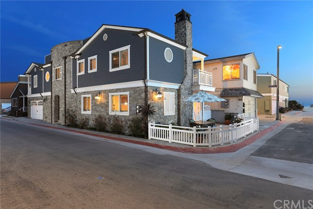 Single Family Home for Sale at 108 Grant Street Newport Beach, California 92663 United States