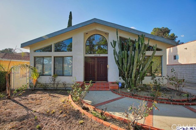Single Family Home for Sale at 1435 Highland Avenue Glendale, California 91202 United States