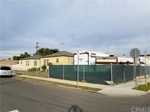 1870 218th, Torrance, California 90501, ,Residential Income,For Sale,218th,SB20120912