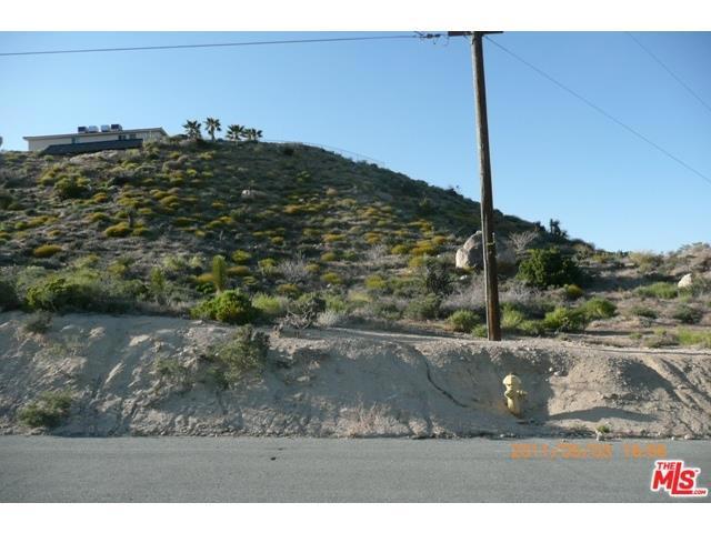 0 Navajo, Yucca Valley CA: http://media.crmls.org/medias/98914315-f66d-48a5-8463-5ffd7dae2c05.jpg