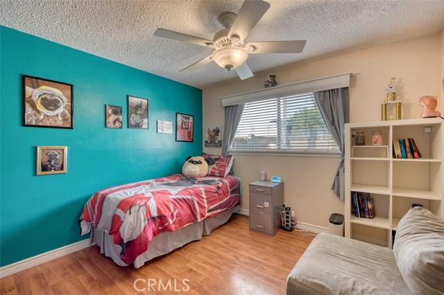 5441 Santa Barbara Avenue, Garden Grove CA: http://media.crmls.org/medias/9899c96f-d97d-492f-89ef-e9e4fed28bbf.jpg