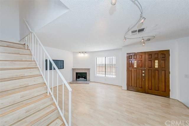 Detail Gallery Image 1 of 1 For 1417 S Marguerita Ave #7,  Alhambra,  CA 91803 - 3 Beds | 2/1 Baths