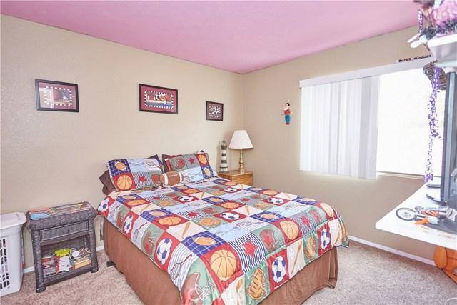 15900 Ninya Avenue, Moreno Valley CA: http://media.crmls.org/medias/98a00fe8-37a0-4ee2-828b-4841d411eecc.jpg
