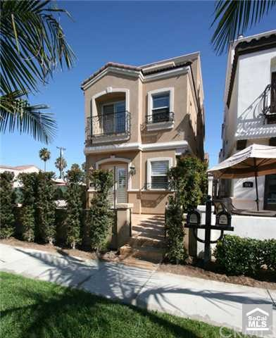 516 15TH Street, Huntington Beach, CA 92648, 3 Bedrooms Bedrooms, ,5 BathroomsBathrooms,Residential Lease,For Rent,15TH,S599498