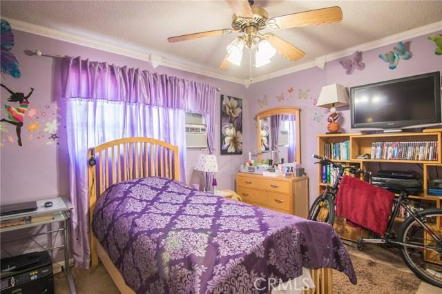 4115 W 161st W Street, Lawndale CA: http://media.crmls.org/medias/98aff673-6a72-481e-abd9-9ae540d9f4ec.jpg