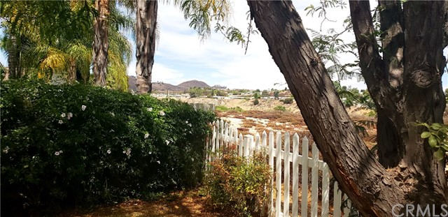39656 Wild Flower Drive, Murrieta CA: http://media.crmls.org/medias/98b597ab-d9af-488f-9a41-32e104eabbe3.jpg