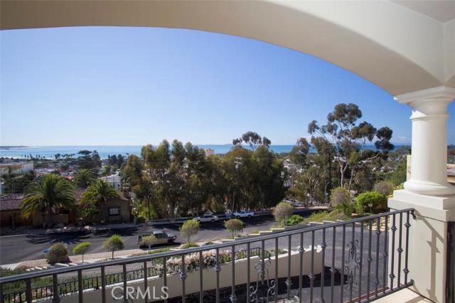 Single Family Home for Sale at 611 Buena Vista Street Ventura, California 93001 United States