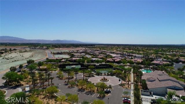 81038 Monarchos Circle, La Quinta CA: http://media.crmls.org/medias/98c1b478-4504-4c2f-9a6c-ec18a24b0b82.jpg