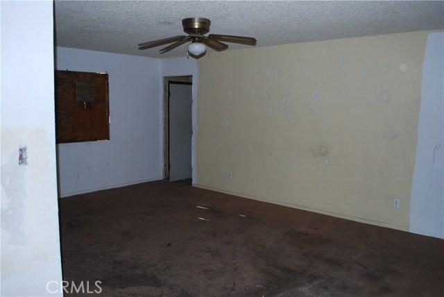2121 E Simpson Avenue E Fresno, CA 93703 - MLS #: YG17135239