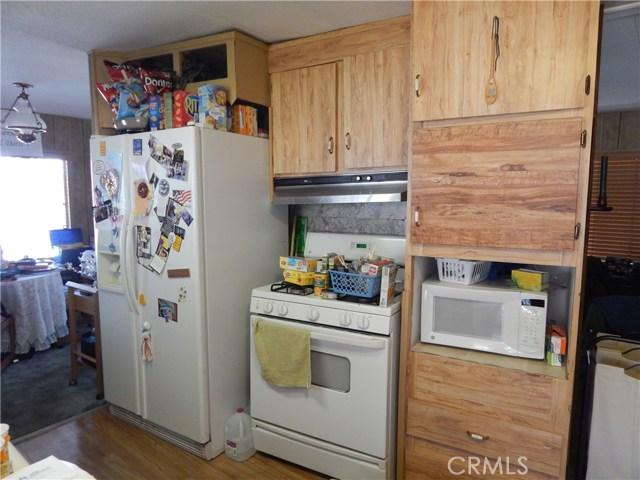 2200 W WILSON Street, Banning CA: http://media.crmls.org/medias/98e62ab4-1ef7-47a2-a795-5b00e770a27b.jpg