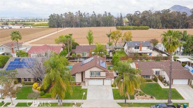 1361 Rosehill Drive, Riverside CA: http://media.crmls.org/medias/98e663ce-75b0-4045-ab35-04d5904b6ca3.jpg
