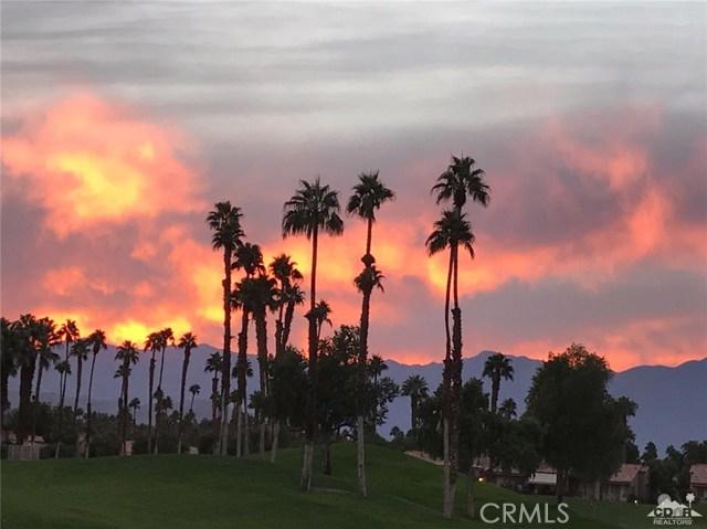 38477 Nasturtium Way, Palm Desert CA: http://media.crmls.org/medias/98f86fc5-e850-4efc-bc83-7ca23411ba1a.jpg