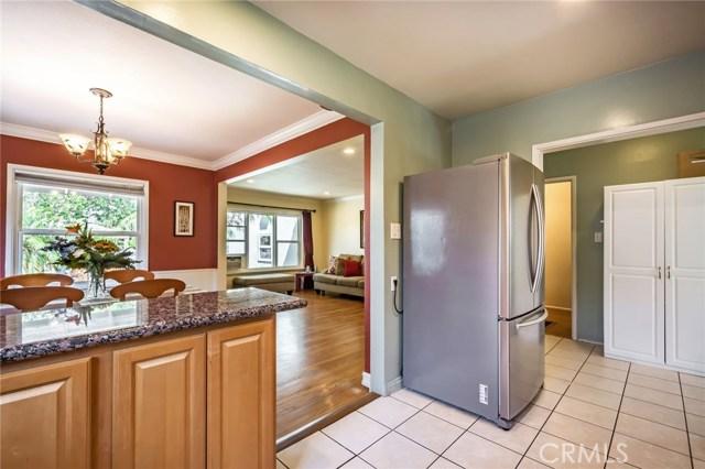 5118 Klondike Avenue, Lakewood CA: http://media.crmls.org/medias/98fbe582-e547-4be2-a0d7-44ec938e32d3.jpg