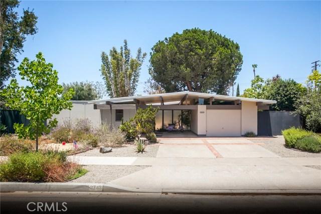 3743 E Casselle Avenue, Orange CA: http://media.crmls.org/medias/99079979-d7ae-4478-8e2e-8e1edd5775bd.jpg