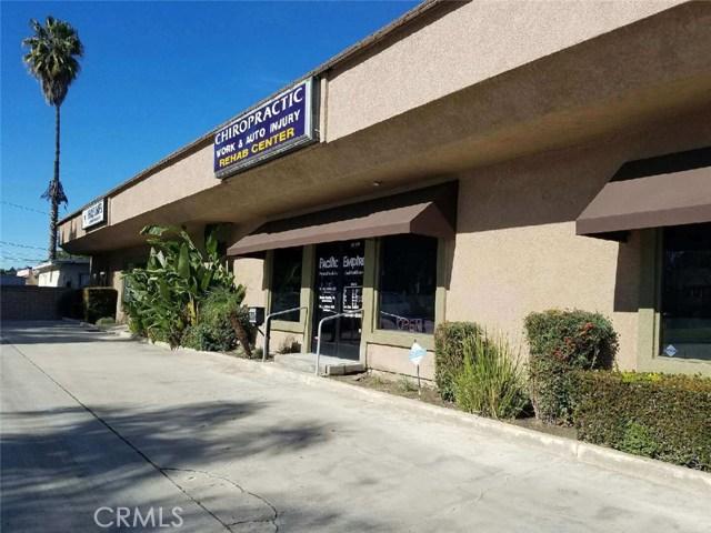 4590 Riverside Drive, Chino CA: http://media.crmls.org/medias/99081873-159b-4430-b9e8-236dce730269.jpg